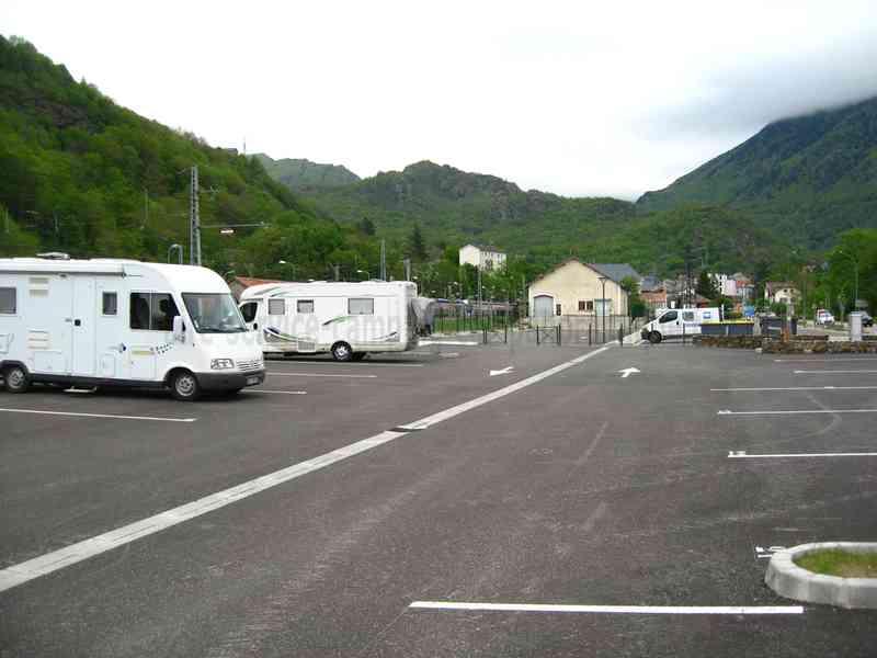 09 ax les thermes photos aires service camping car stationnement pour camping car - Office tourisme ax les thermes ...