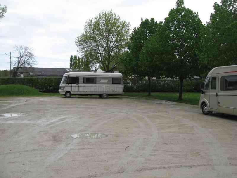Verteuil Sur Charente Aire De Camping Car