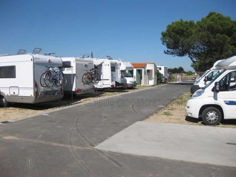 17 rivedoux plage photos aires service camping car stationnement pour camping car. Black Bedroom Furniture Sets. Home Design Ideas