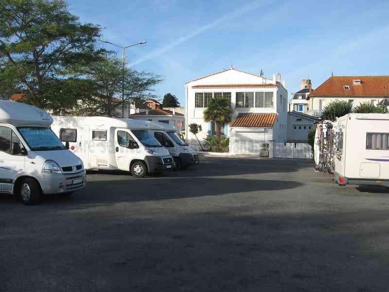 17 saint trojan les bains photos aires service camping car stationnement pour camping - Office de tourisme saint trojan les bains ...