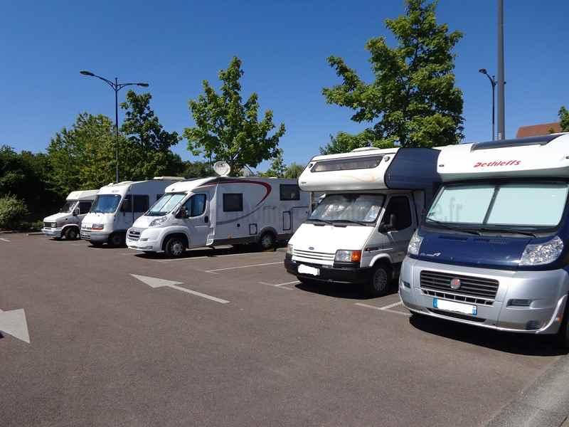 21 beaune photos aires service camping car stationnement pour camping car visites. Black Bedroom Furniture Sets. Home Design Ideas
