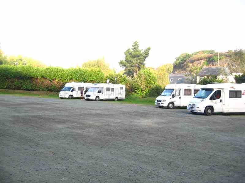 22 - binic - photos - aires service - camping-car
