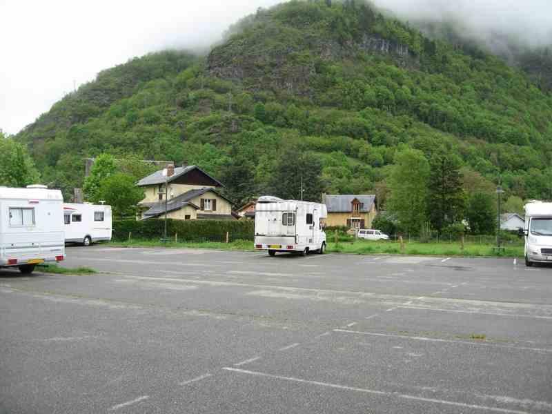 31 bagn res de luchon photos aires service camping - Bagneres de luchon office de tourisme ...