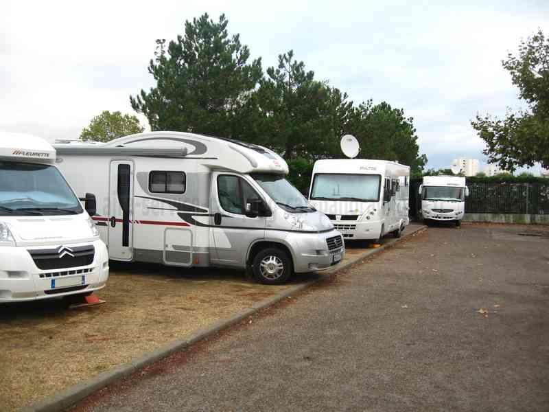 33 arcachon photos aires service camping car stationnement pour camping car visites. Black Bedroom Furniture Sets. Home Design Ideas