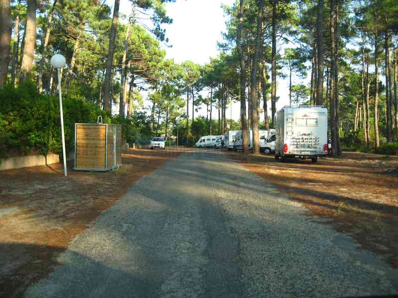 locations de vehicule voitures aire camping car cap ferret. Black Bedroom Furniture Sets. Home Design Ideas