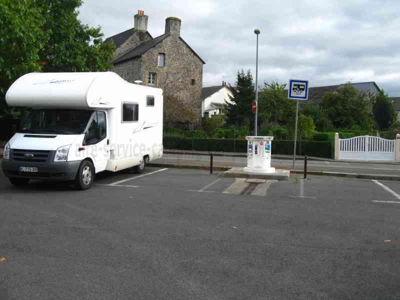 35 dol de bretagne photos aires service camping car stationnement pour camping car. Black Bedroom Furniture Sets. Home Design Ideas