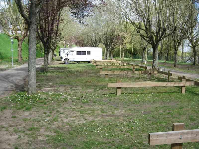 45 la chapelle saint mesmin photos aires service camping car stationnement pour. Black Bedroom Furniture Sets. Home Design Ideas