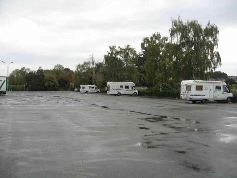 53 ch teau gontier photos aires service camping car stationnement pour camping car. Black Bedroom Furniture Sets. Home Design Ideas