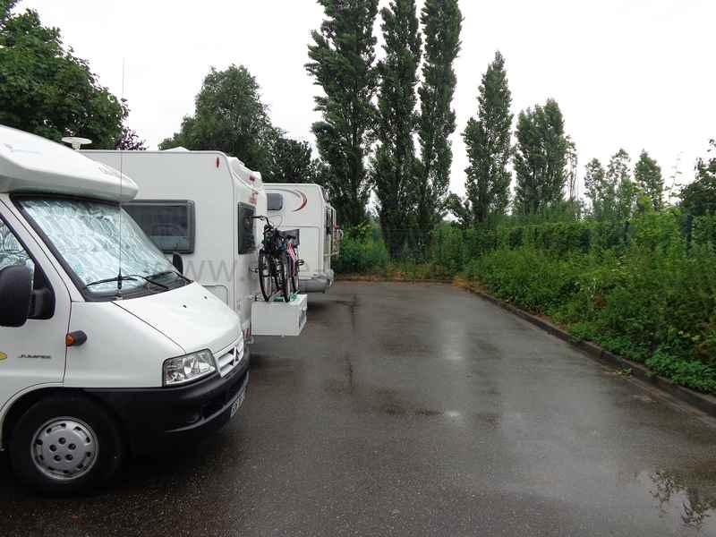 67 strasbourg photos aires service camping car stationnement pour camping car visites. Black Bedroom Furniture Sets. Home Design Ideas