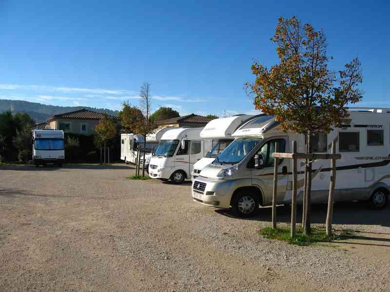 84 vaison la romaine photos aires service camping car stationnement pour camping car. Black Bedroom Furniture Sets. Home Design Ideas