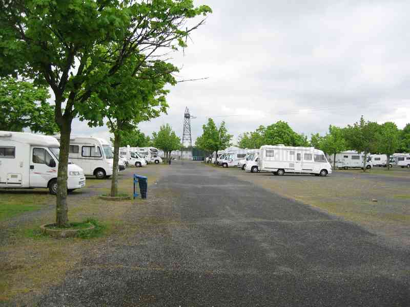 Www Aire De Service Camping Car A Vers